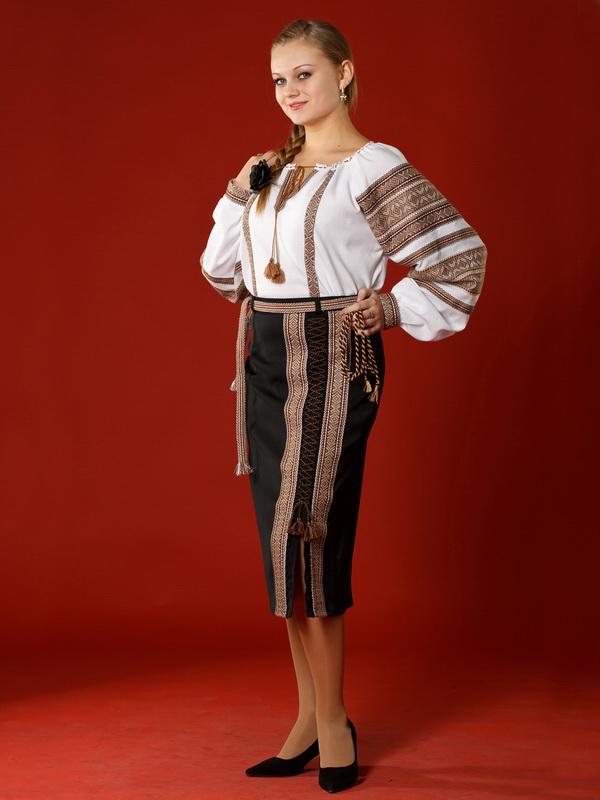 Вишитий жіночий костюм ЖК 5