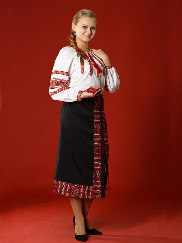 Вишитий жіночий костюм ЖК 7