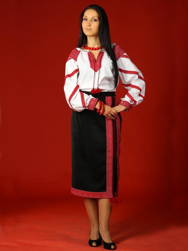 Вишитий жіночий костюм ЖК 11