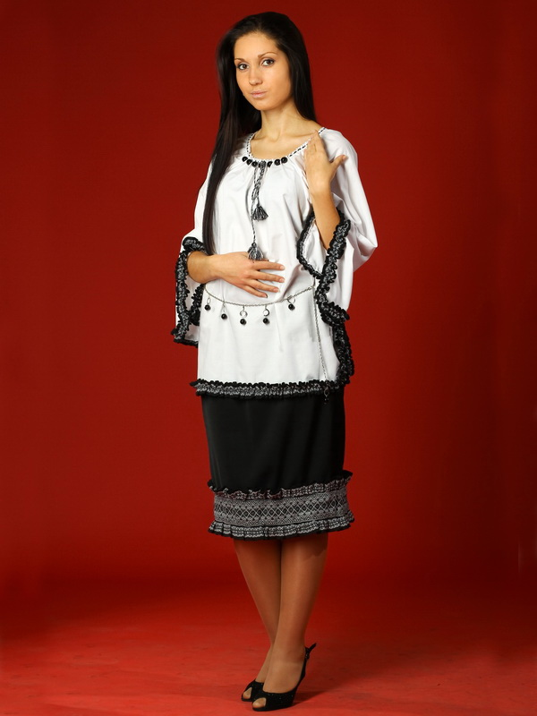 Вишитий жіночий костюм ЖК 14