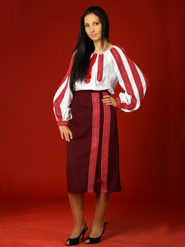 Вишитий жіночий костюм ЖК 17