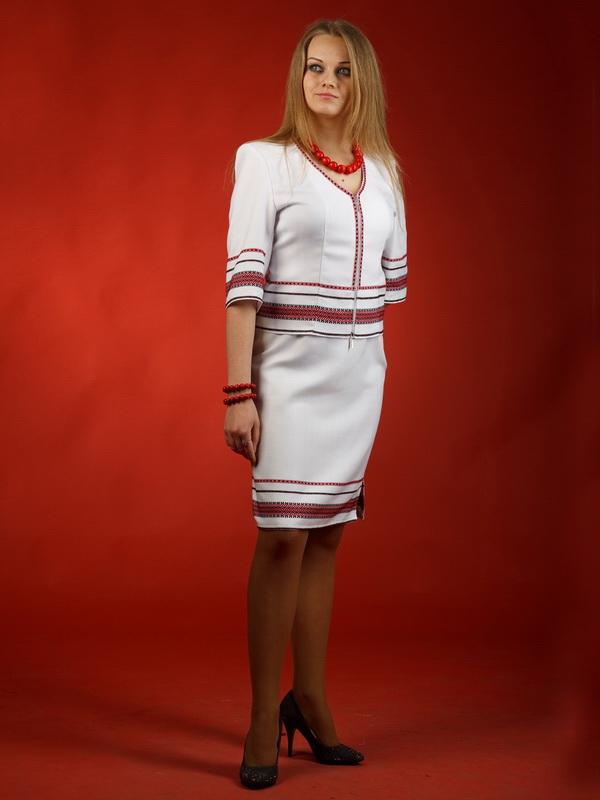 Вишитий жіночий костюм ЖК 32