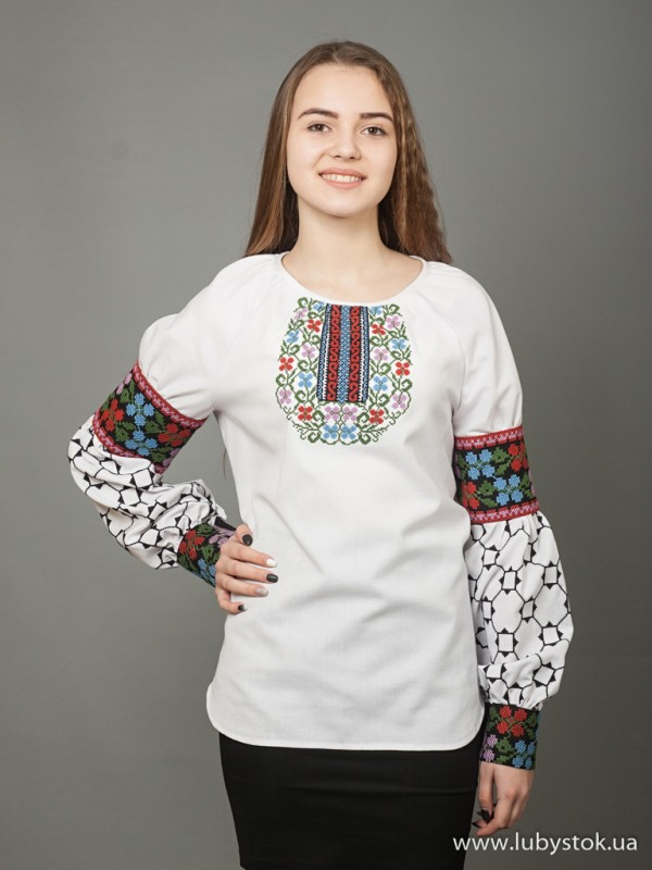 Жіноча вишиванка B-037-01