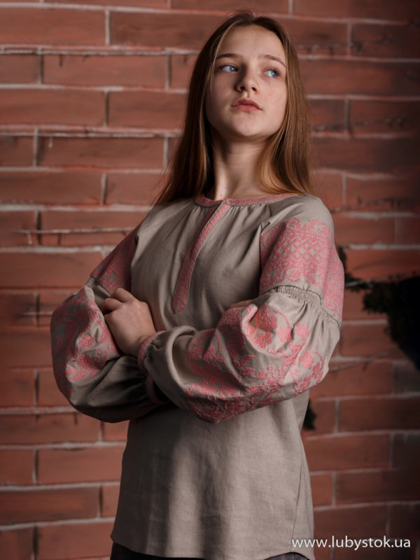 Жіноча вишиванка B-057-08