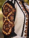 Жіноча вишиванка B-062-01