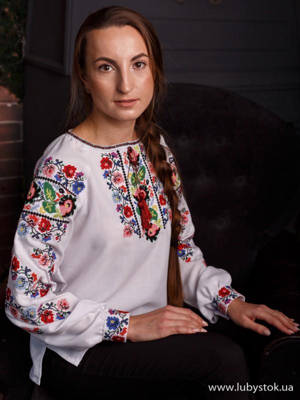 Жіноча вишиванка B-063-01