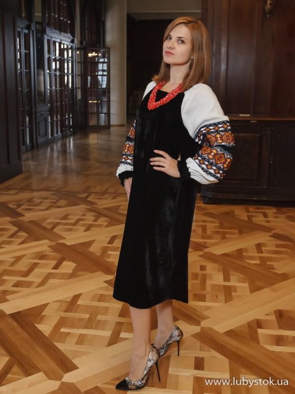 Вишита сукня D-095-01