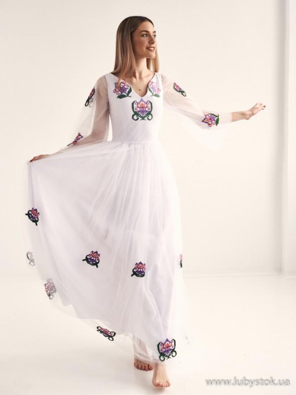 Вишита сукня D-133-01