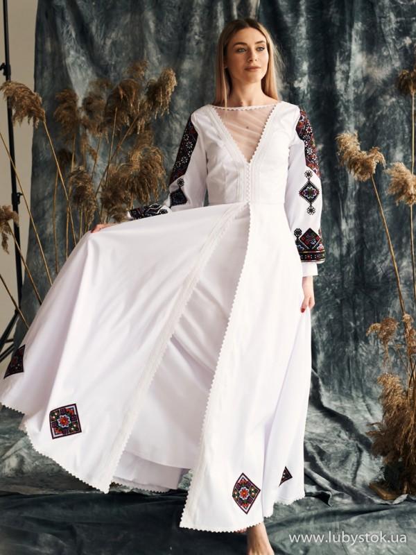 Вишита сукня D-136-01