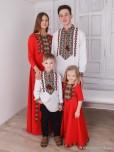 Сімейні вишиванки тато, мама, син і дочка F-017