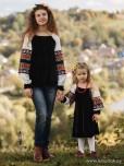 Сімейні вишиванки мама і дочка F-018