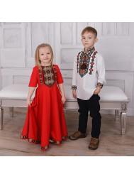 Дитячий вишитий одяг