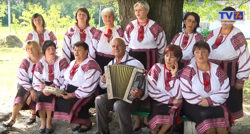 Сценічні костюми для вокального колективу